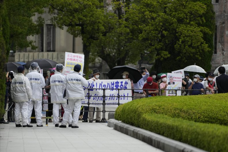Bach is Met with Protestors in Hiroshima