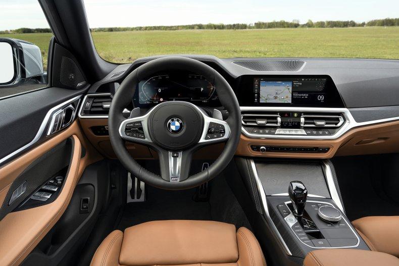 2021 BMW M440i xDrive dashboard
