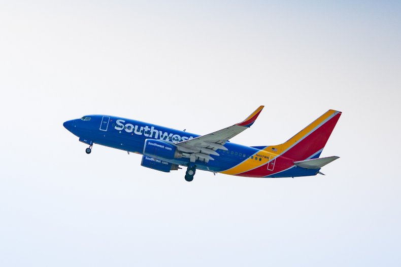 Southwest flight family removal mask