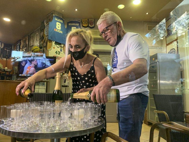 Greek Cafe Celebrates Bucks Win