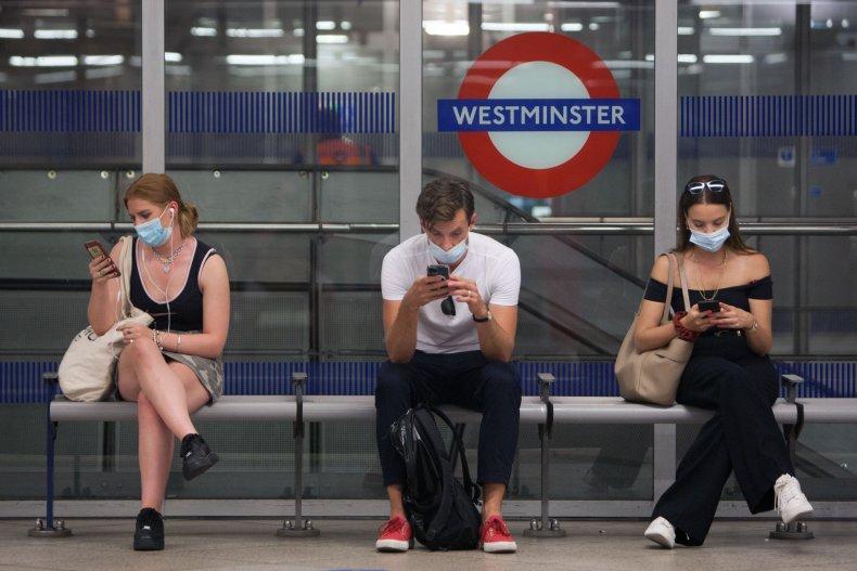 UK Social Distancin