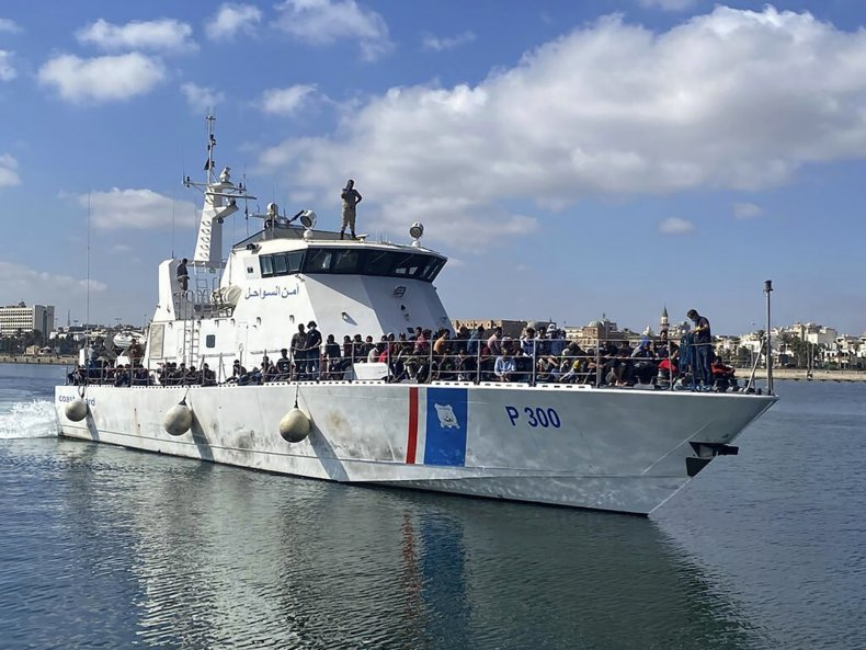 Libya migrants returned to Tripoli