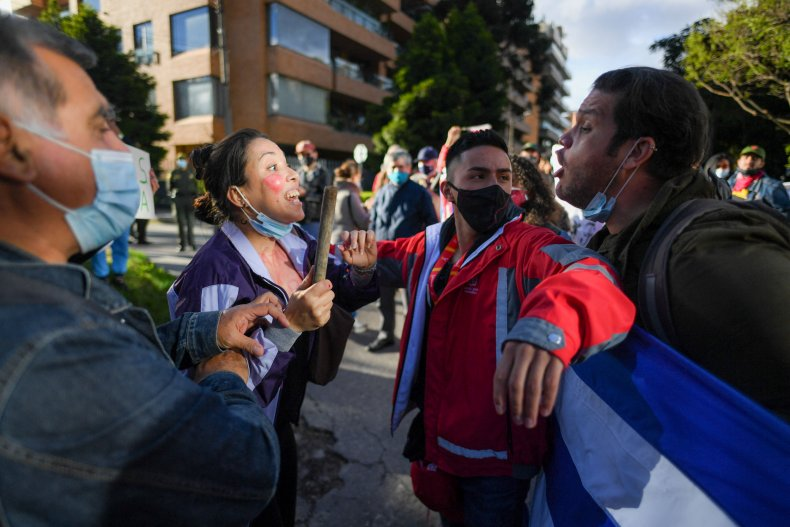 Cuba, protesters, support, and, against, clash, Colombia