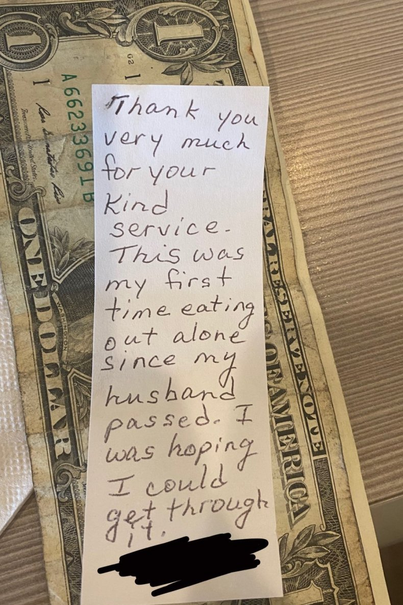 waitress receives note