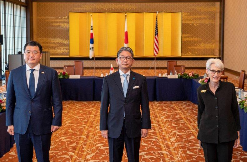Deputy Secretary of State Visits Tokyo