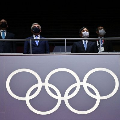 Olympics official hold moment of silence