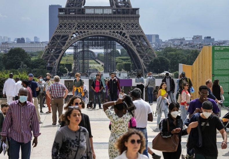 People in public in France