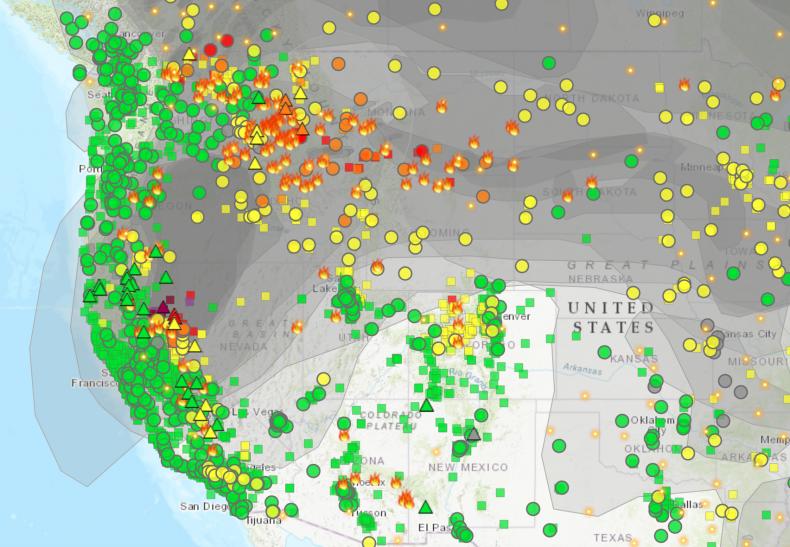 Wildfire and smoke map