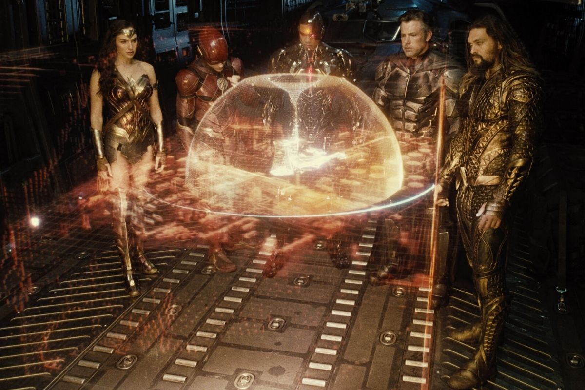 Why You've Been Watching The DCEU Movies In The Wrong Order