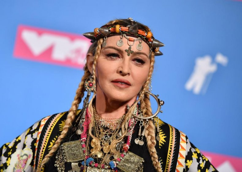 Madonna: Dunkin' Donuts cashier