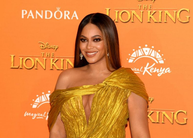 Beyonce Knowles: Hair sweeper