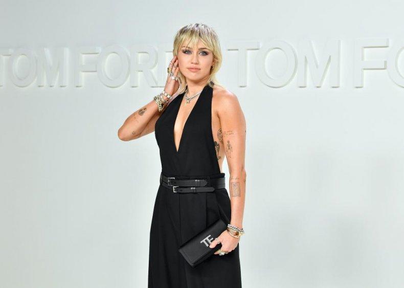 Miley Cyrus: Bra and underwear collector