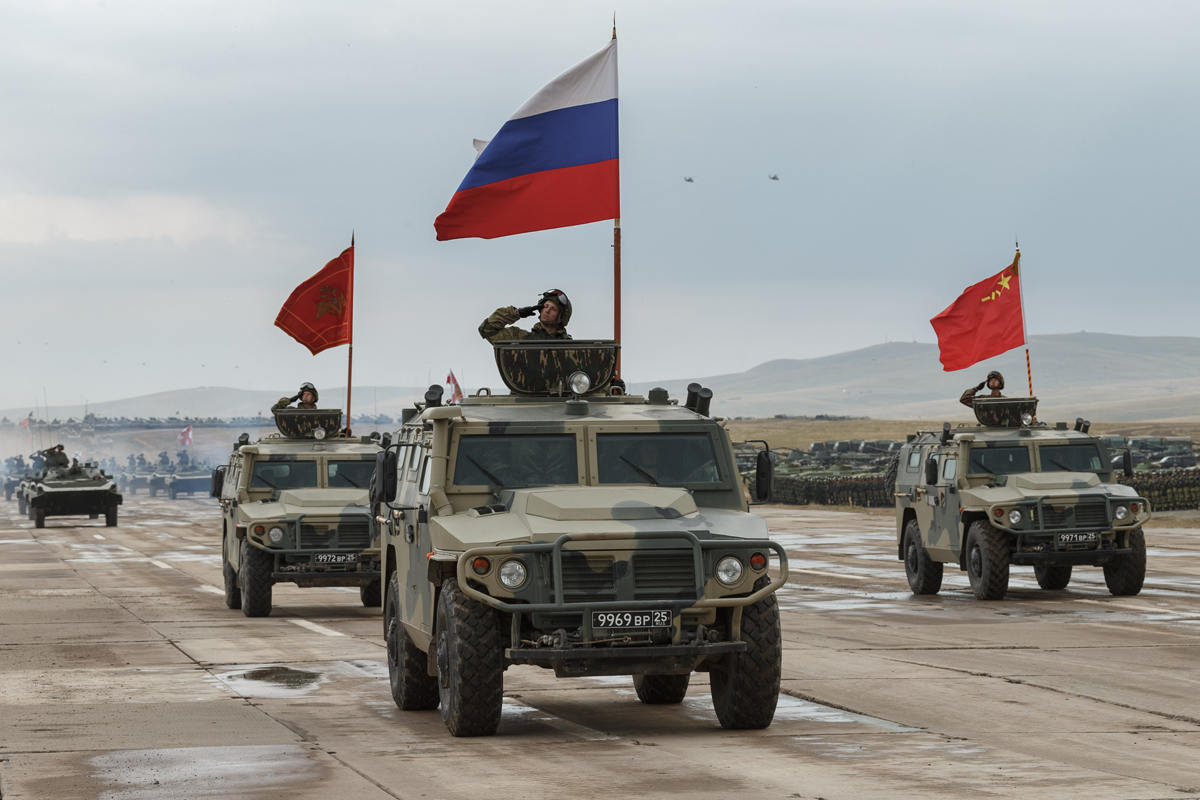 As Russia Talks Nuclear Weapons with U.S., It Forges Closer Military Ties with China