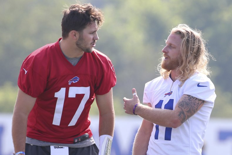 Beasley and Allen talk during training