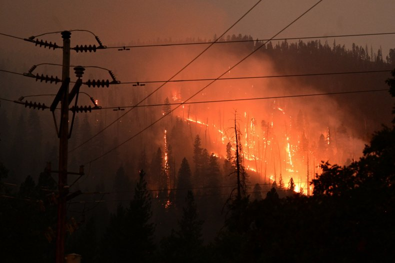 Dixie fire continues to burn