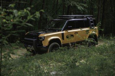 2022 Land Rover Defender Trophy Edition