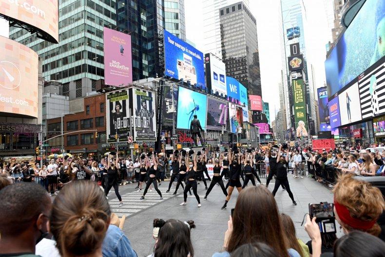 Arts & Entertainment Return To New York