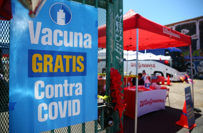 Spanish vaccine sign
