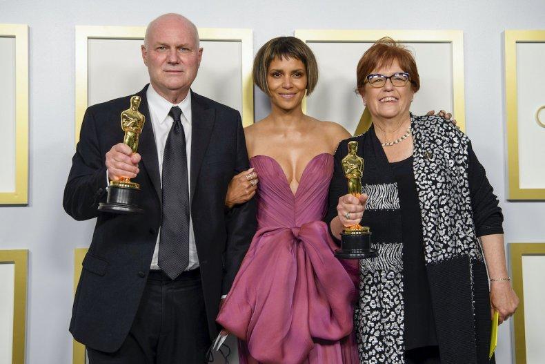 Mank winning Oscar
