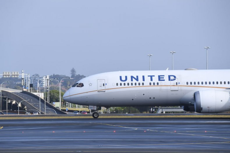 United Airlines mandates employee vaccinations