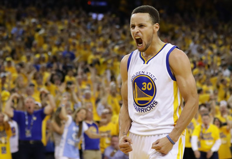 Steph Curry playing for Golden State Warriors