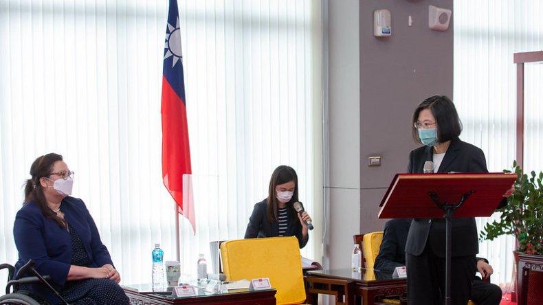 Senators Land In Taipei for Diplomatic Visit