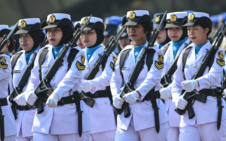 Female troops of the Indonesian military.