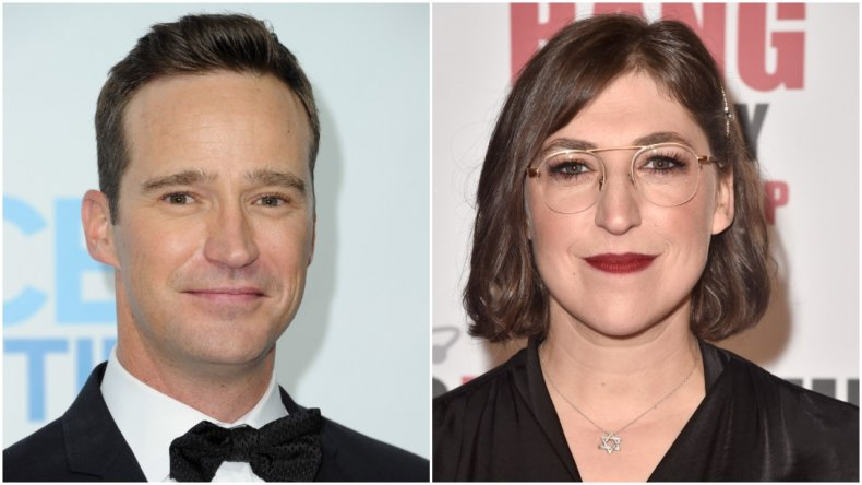 """""""Jeopardy!"""" hosts Mike Richards and Mayim Bialik"""