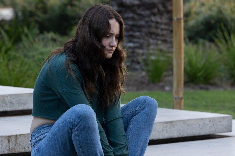 Grace Van Patten in Nine Perfect Strangers