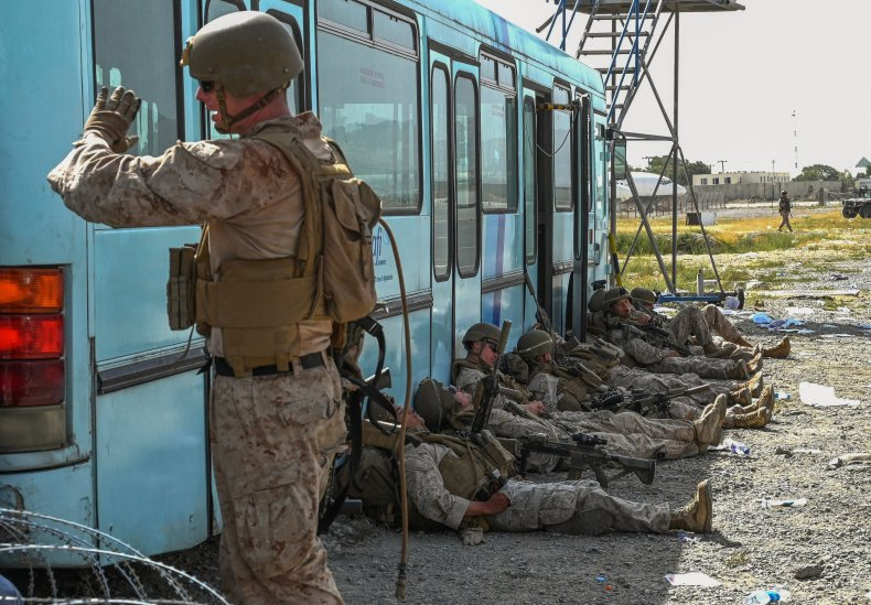 US soldiers rest