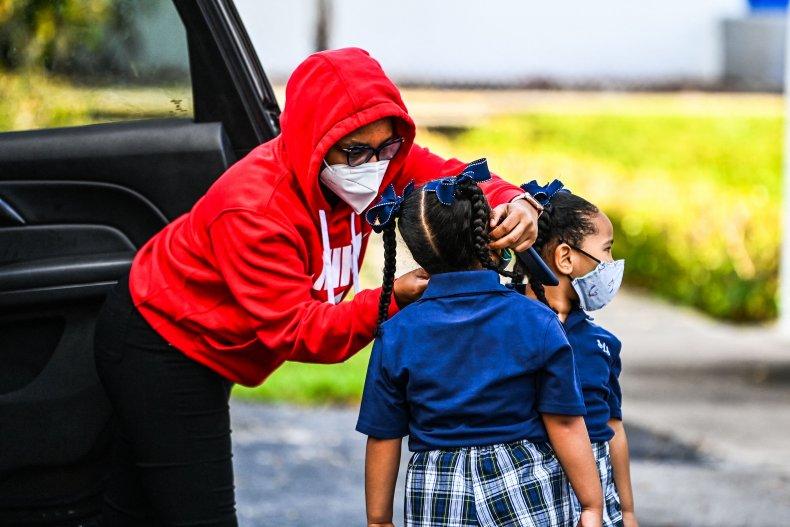 Florida Mom and Students Wearing Masks