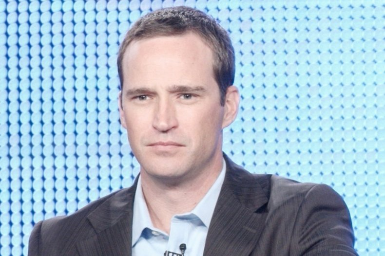 """""""Jeopardy!"""" host Mike Richards apologizes again"""