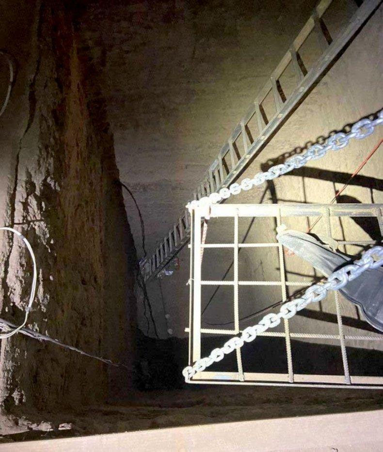 Narcotics Tunnel, Zenger