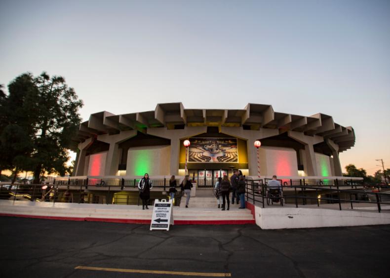 Arizona: Celebrity Theatre