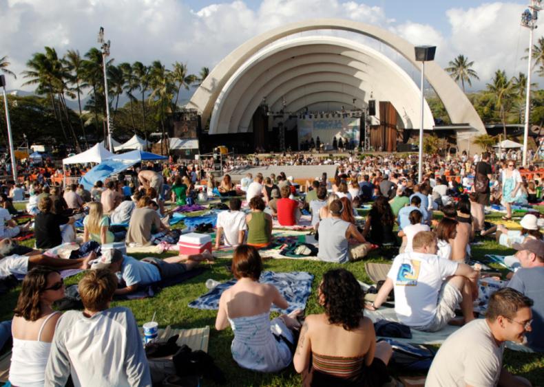 Hawaii: Tom Moffatt Waikiki Shell