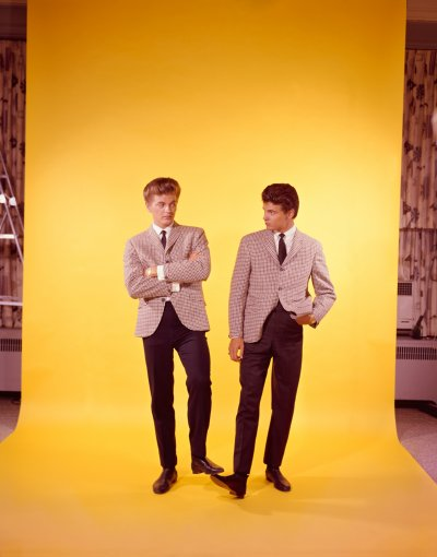 Studio portrait of pop The Everly Brothers.