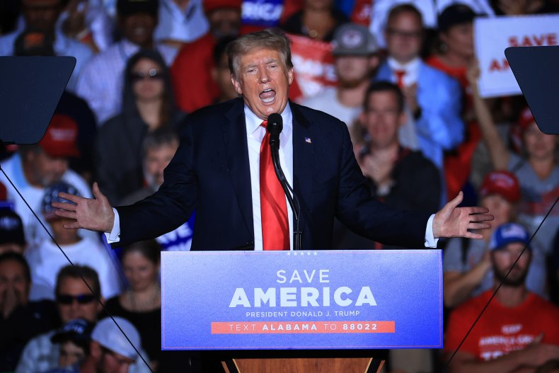 Donald Trump Addresses Supporters in Alabama