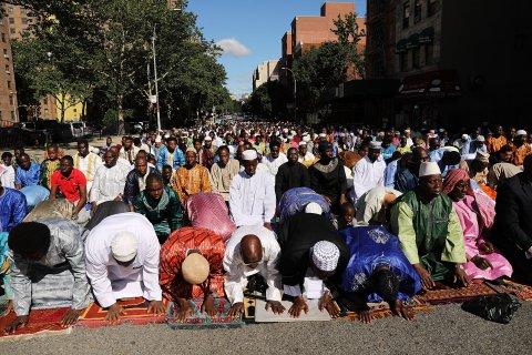 FE Muslims MAIN 04
