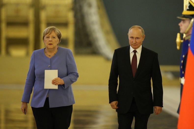 Merkel Meets Putin in Moscow