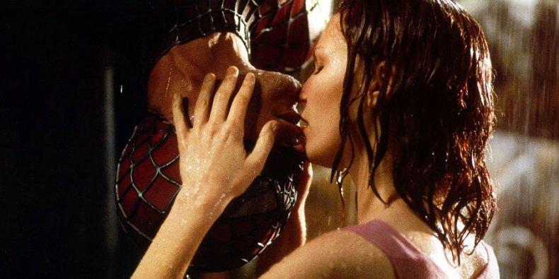 Spider-Man kiss