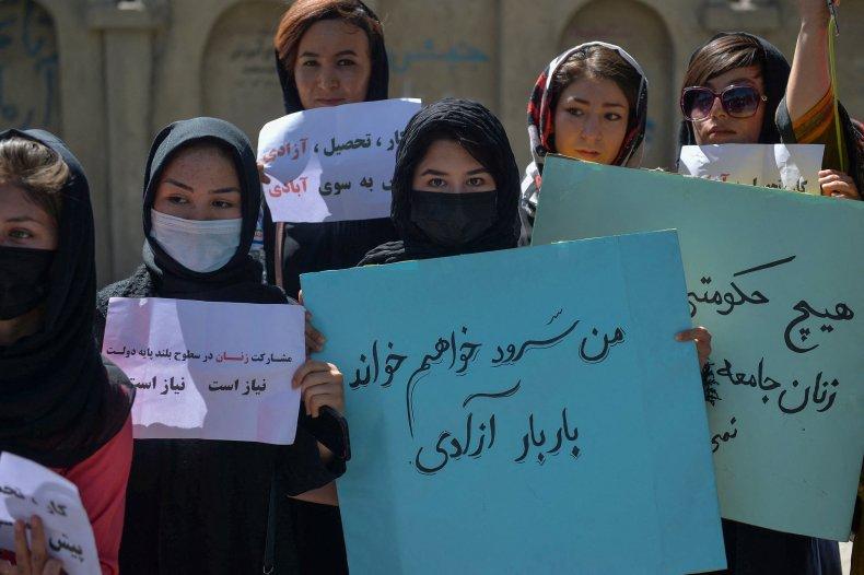 Afghan women protest in Kabul vs Taliban