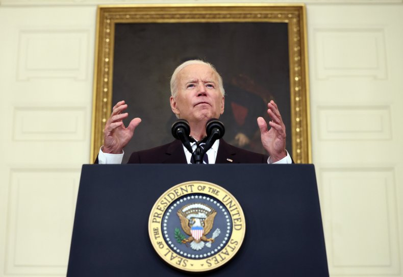 JD Vance slams Biden's vaccine mandate