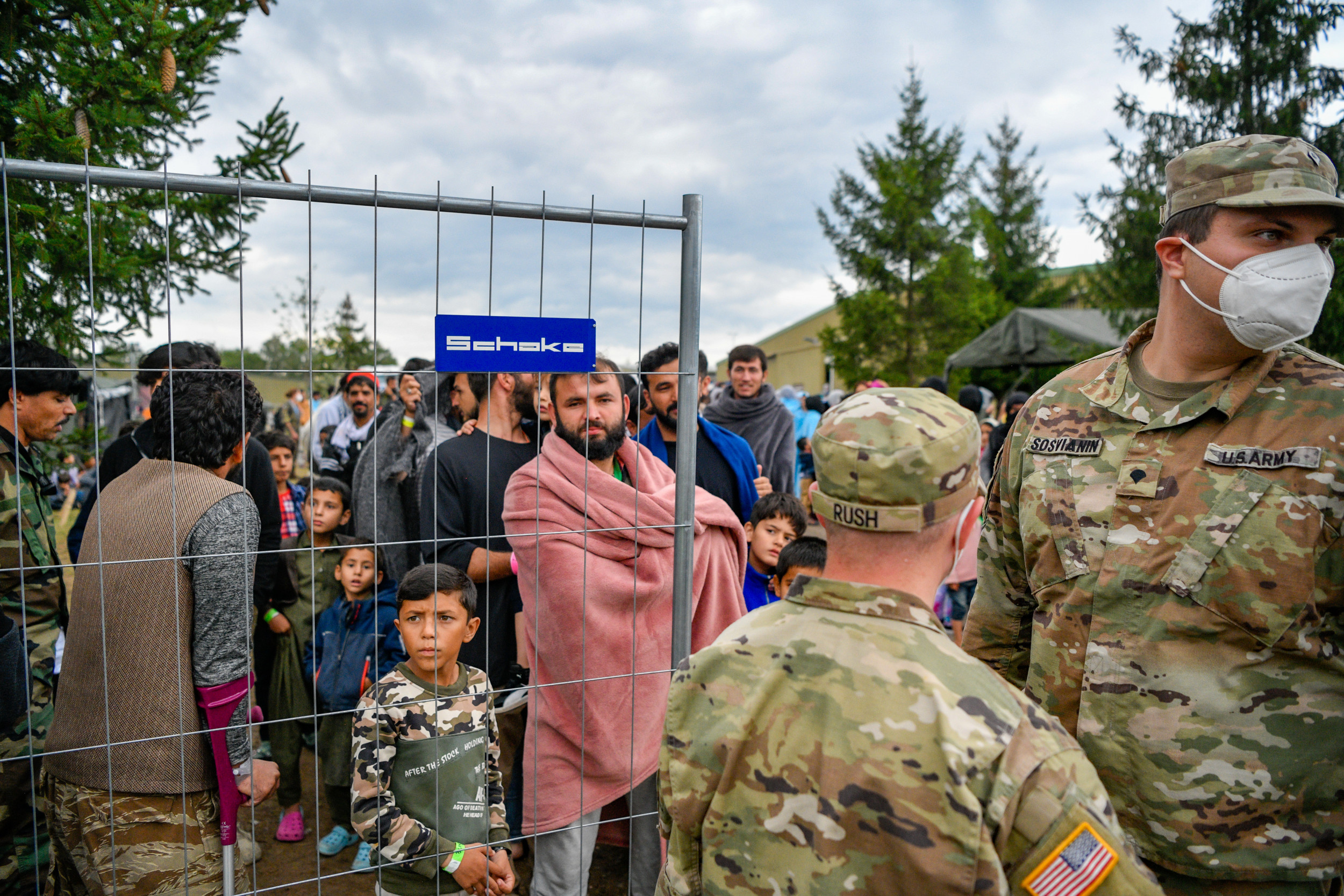 Photo of Afghan evacuee flights from Germany, Qatar halted at recommendation of CDC | Rebecca Klapper