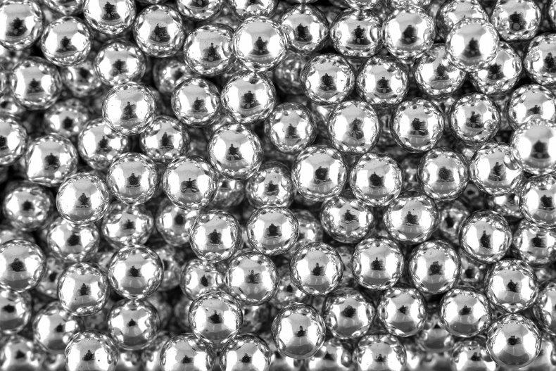 Silver dragées