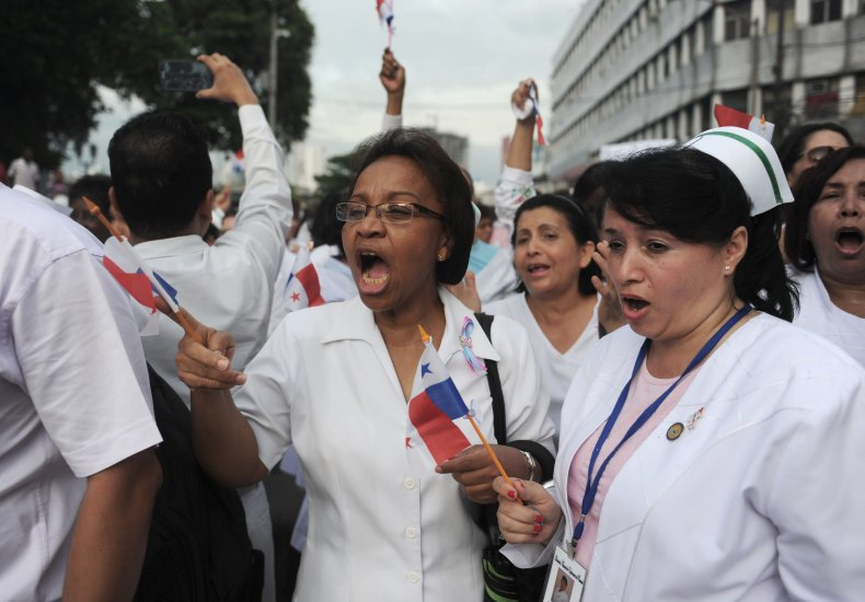 Doctors and nurses protesting in Panama City.