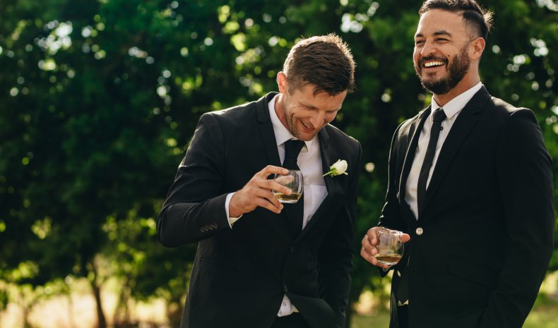 A groom and has best man.