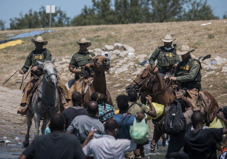 Migrants Encounter Border Patrol
