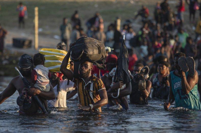 Migrants Wade to Mexico