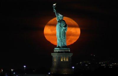 Moon in New York