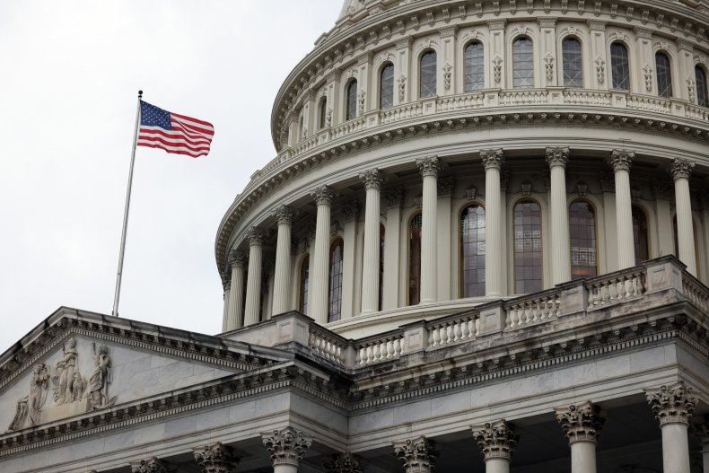 Lawmakers work to avoid government shutdown